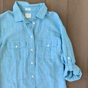 NWOT J.Crew Perfect Fit Button Down Size Small 💙